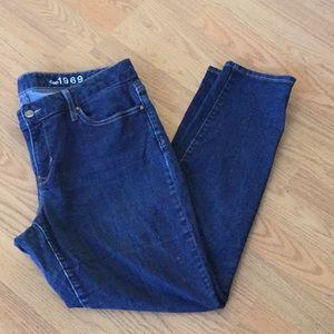 Gap 1969 curvy skinny 33 r jeans